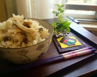 秋の味覚といえば松茸。松茸がなくても松茸を味わえる!?なんちゃって松茸風のレシピ