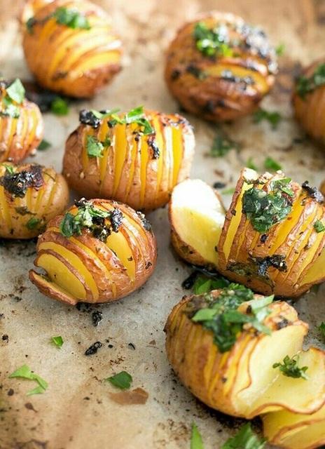 ポテト以外の野菜でも!簡単おいしいハッセルバックレシピ