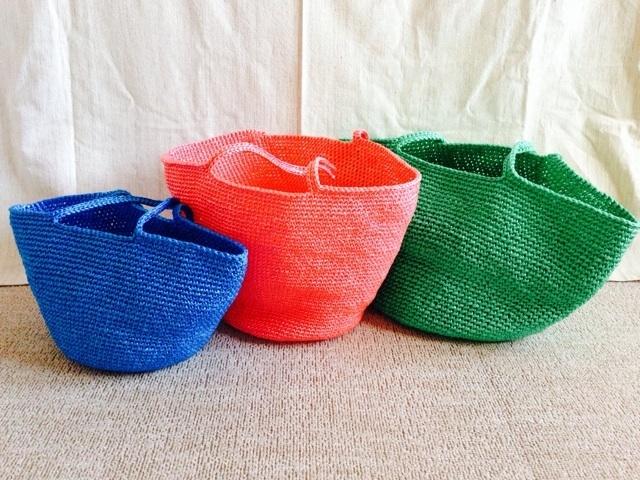 夏にぴったり!スズランテープで編むバッグに挑戦♪