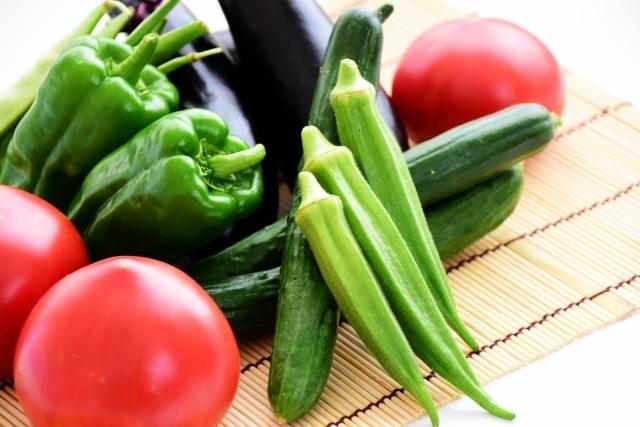 ラップやポリ袋で野菜を新鮮にキープ!緑の野菜の保存方法