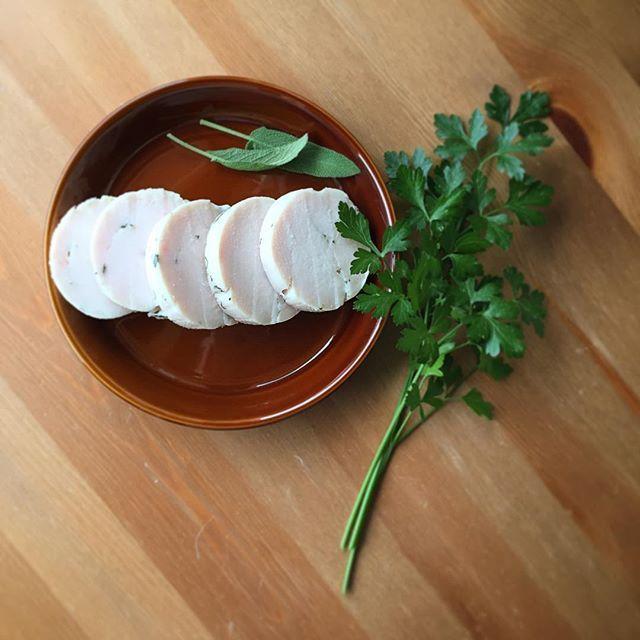 暑い夏の調理は炊飯器にお任せ♪ 「鶏ハム」の炊飯器レシピ