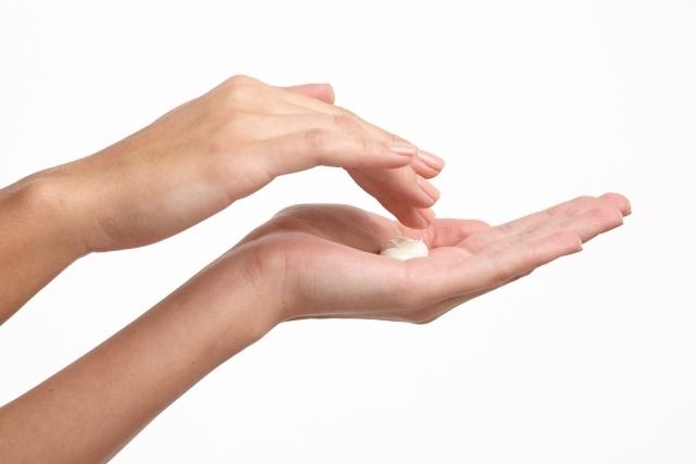 カサつく手指に安心して使える!人気の低刺激・無添加のハンドクリーム
