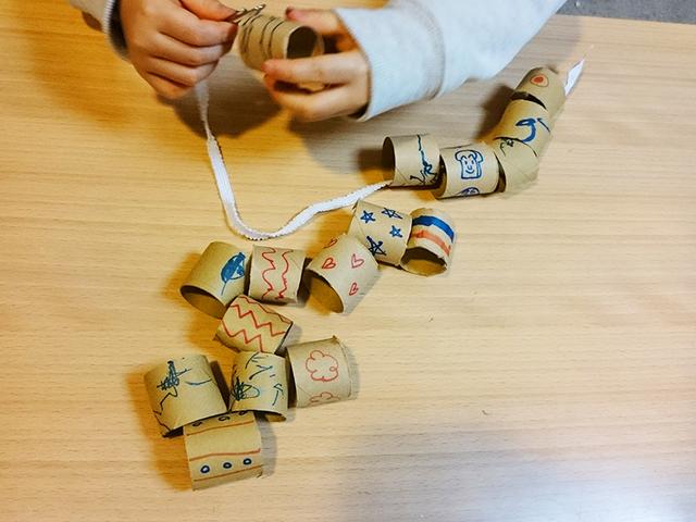 作って遊ぼう! ラップの芯の工作で作る子どものおもちゃ