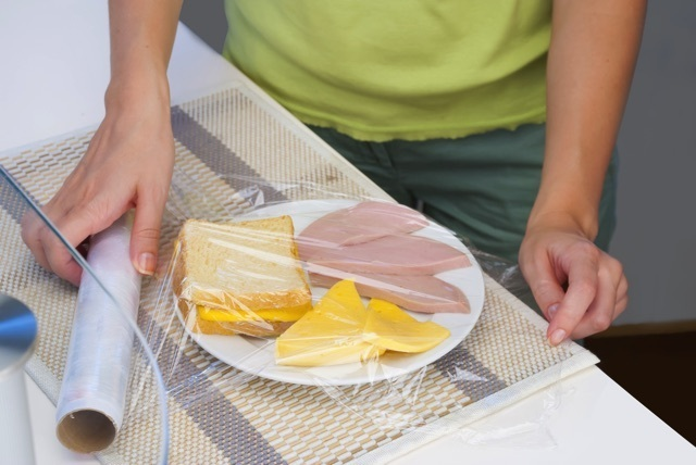 無添加ラップって何? 食品包装用ラップフィルムの原材料ごとの特性