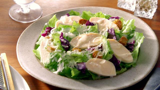 もはや定番!「サラダチキン」の作り方&レシピまとめ