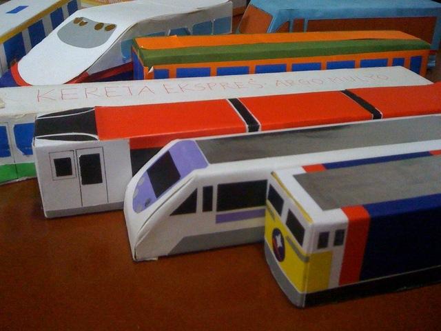 どんな車両も工夫次第!ラップの空き箱なら、思い通りの電車のおもちゃが作れるらしい♡