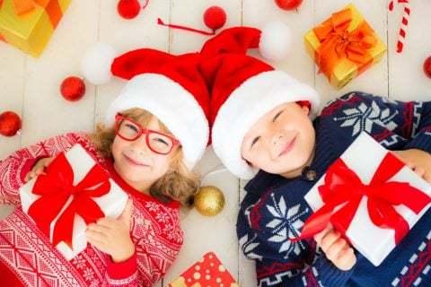 ♪ クリスマスパーティー ♪ を盛り上げよう!パーティーの日の飾りつけにはどんなアイディアがあるかな?