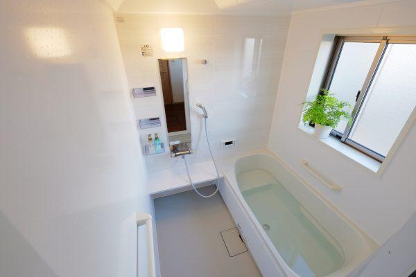 きれいなお風呂に入りたい!ヌルヌル頑固汚れからカビ取りまでお風呂掃除を楽にする方法