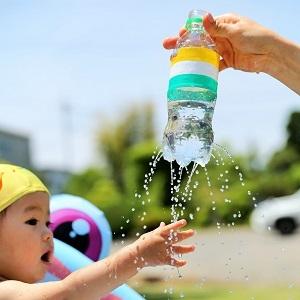 水遊びは手作りで遊びが広がる!身近なもので作れる楽しいおもちゃ