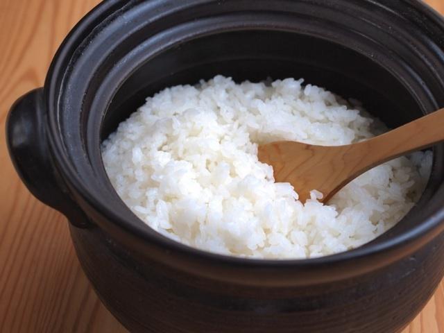 冷凍ご飯がまるで炊きたてみたい!ご飯を上手に冷凍して、おいしく食べることができる解凍のコツです!