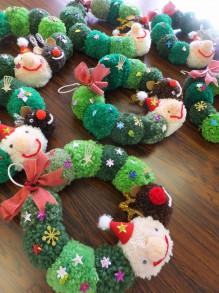 リースもツリーも毛糸なら手軽で簡単♪親子でクリスマス小物を作ろう!