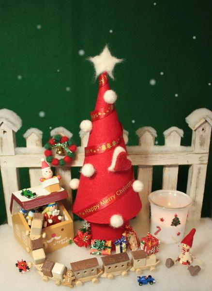 紙で作るクリスマスツリーのアイディアいろいろご紹介!子供たちにも簡単にできるツリーを作ってみましょう