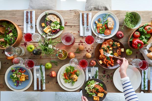 おうちパーティーはカラフルな料理でおもてなし♪どんな料理がいいか迷っている人におすすめします!