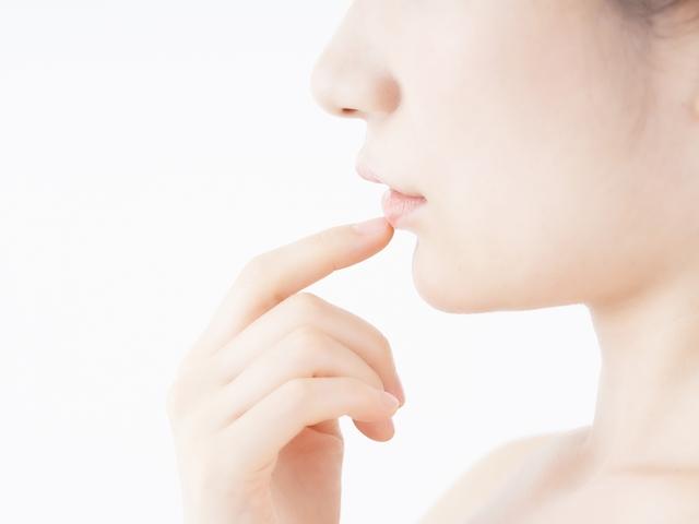 家にあるもの+ラップで、ぷるぷる唇に♪添加物を気にせずリップケアする方法