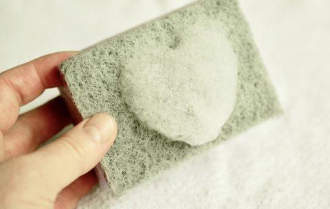手にやさしい刺激の少ない食器用洗剤。手荒れが気になる人におすすめの商品