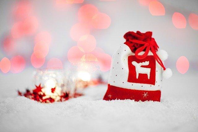 子どもと一緒に楽しむクリスマス♪ 簡単工作でできるクリスマスツリーの作り方