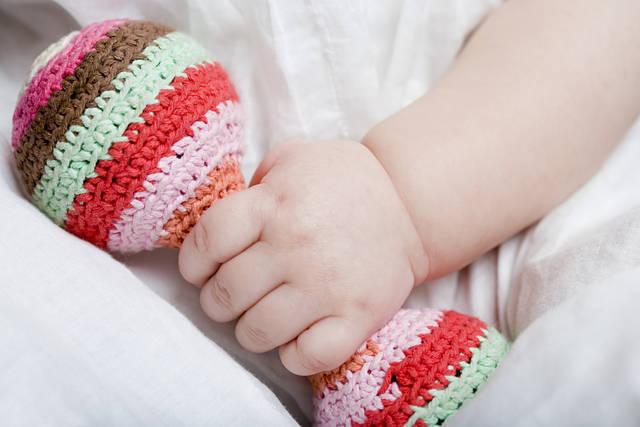 赤ちゃんが喜ぶ手作りおもちゃ★身近なものを使って楽しい手作りおもちゃを作ろう!