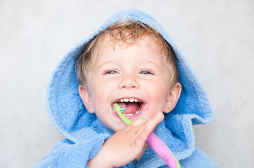 子ども用歯磨き粉を選ぶポイントは?成分に気をつけて選ぶおすすめ歯磨き粉はどれ?