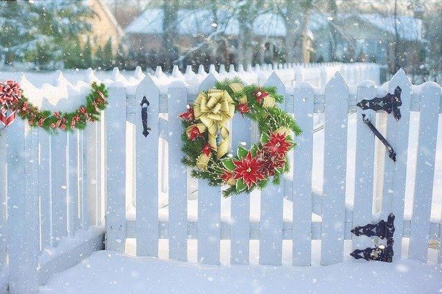 おしゃれなリースを手作りしてみたい!クリスマスリースの作り方
