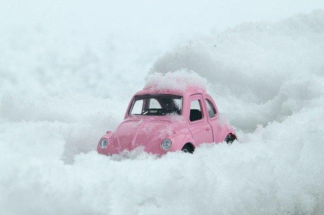 運転するなら知っておくべし!積雪時に対する車の運転の備えとは