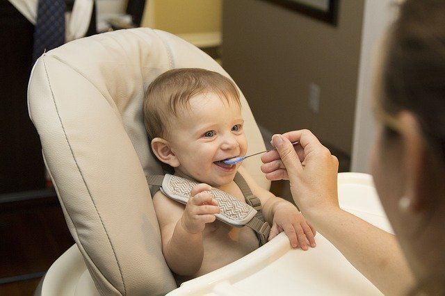 赤ちゃん喜ぶ!ママ便利!離乳食グッズおすすめ6選