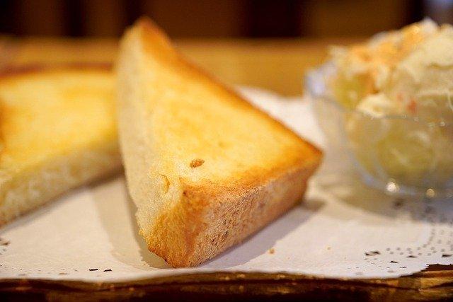 手づかみ食べの時期におすすめ♪離乳食にぴったりの「パン」レシピ集