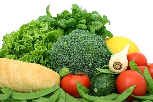 少しのコツでぐんと長持ち!よく使う野菜を冷蔵庫で保存する方法