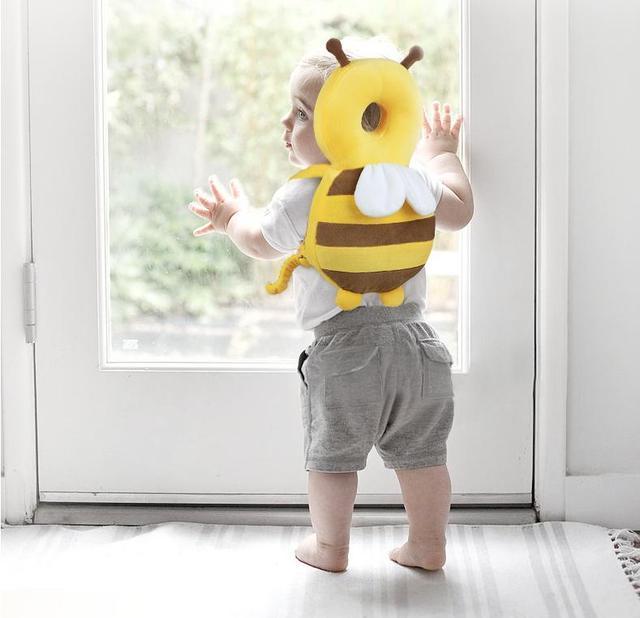 必須アイテム!赤ちゃんの頭を守るための「ベビーヘッドガード」6選
