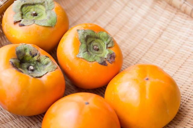 その柿の皮、捨てないで!柿の皮を使ったエコレシピ♡